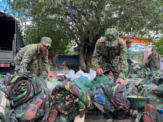 Sạt lở vùi lấp hơn 40 người ở Quảng Nam: Điều kỳ diệu, tìm được nhiều người vẫn còn sống - Ảnh 10.