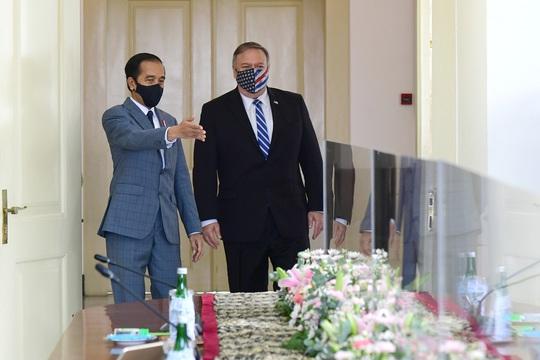 Ngoại trưởng Mỹ bắt đầu thăm Việt Nam - Ảnh 1.
