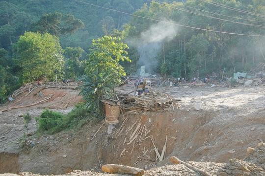 Hiện trường vụ sạt lở kinh hoàng tại Trà Leng - Quảng Nam - Ảnh 8.