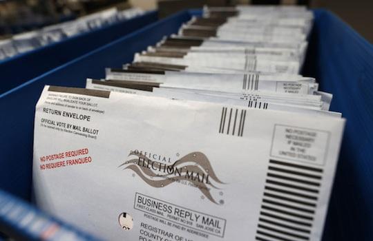 Mỹ: Hàng ngàn phiếu bầu biến mất bí ẩn ở bang chiến trường Pennsylvania - Ảnh 1.