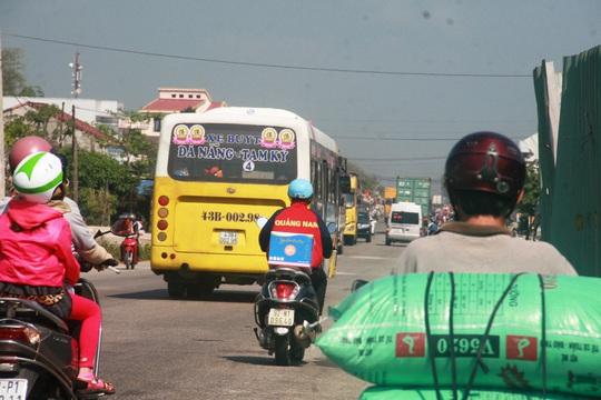 Quảng Nam mong Đà Nẵng không cấm cửa xe buýt vào trung tâm thành phố - Ảnh 1.