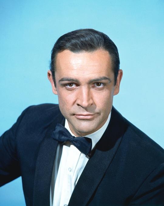 Cựu điệp viên 007 từng thi thể hình, từ chối khoác áo Man United - Ảnh 6.