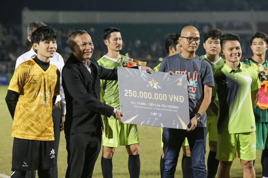 Từ trận đấu thiện nguyện của ca sĩ Jack, tìm chất xúc tác cho bóng đá Việt Nam - Ảnh 2.