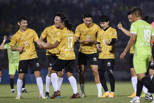Từ trận đấu thiện nguyện của ca sĩ Jack, tìm chất xúc tác cho bóng đá Việt Nam - Ảnh 6.