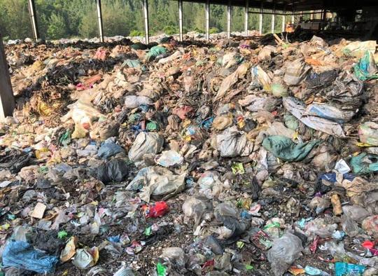 Dân kêu trời vì nhà máy xử lý rác thải gây ô nhiễm - Ảnh 2.