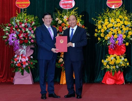 Thủ tướng trao quyết định bổ nhiệm ông Nguyễn Thanh Long làm Bộ trưởng Bộ Y tế - Ảnh 2.
