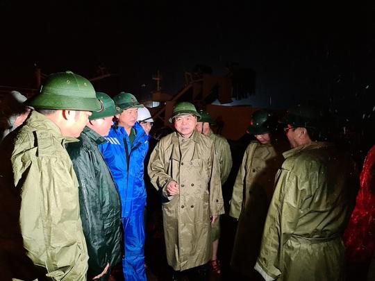 Quảng Trị: Gió bắt đầu rít mạnh, đảo Cồn Cỏ bị cắt đứt hoàn toàn liên lạc - Ảnh 5.