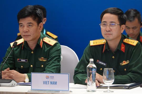 Thượng tướng Nguyễn Chí Vịnh chủ trì hội nghị Quan chức quốc phòng cấp cao ASEAN - Ảnh 4.