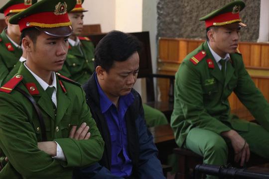 Gian lận điểm thi ở Sơn La: Cựu Phó giám đốc Sở GD-ĐT bị tuyên y án 9 năm tù - Ảnh 2.