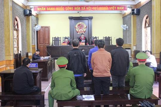 Gian lận điểm thi ở Sơn La: Cựu Phó giám đốc Sở GD-ĐT bị tuyên y án 9 năm tù - Ảnh 1.