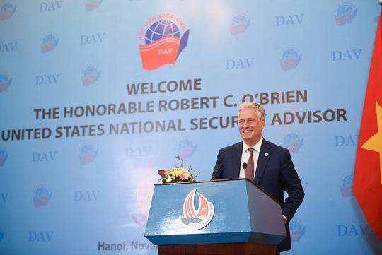 Cố vấn An ninh Quốc gia Mỹ nói chuyện với sinh viên: Quan hệ Việt-Mỹ còn vững mạnh hơn - Ảnh 1.
