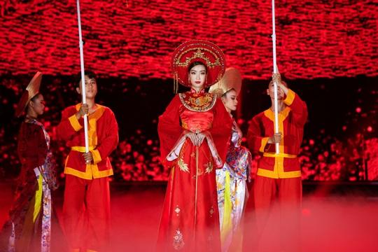 Bí mật của hoa hậu Đỗ Mỹ Linh khi hóa thân thành Thánh Mẫu - Ảnh 8.