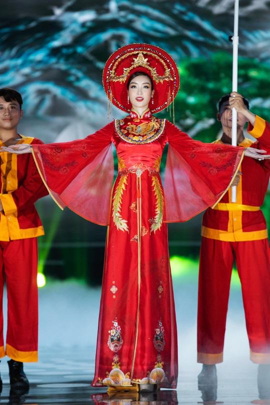 Bí mật của hoa hậu Đỗ Mỹ Linh khi hóa thân thành Thánh Mẫu - Ảnh 7.
