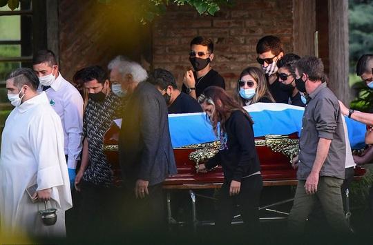CLIP: Lễ an táng huyền thoại Maradona - Nước mắt tiếc thương, máu đổ vì bạo động - Ảnh 6.