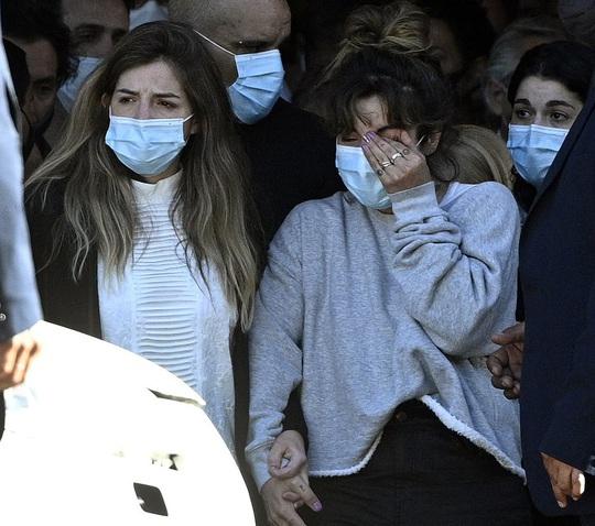 CLIP: Lễ an táng huyền thoại Maradona - Nước mắt tiếc thương, máu đổ vì bạo động - Ảnh 7.