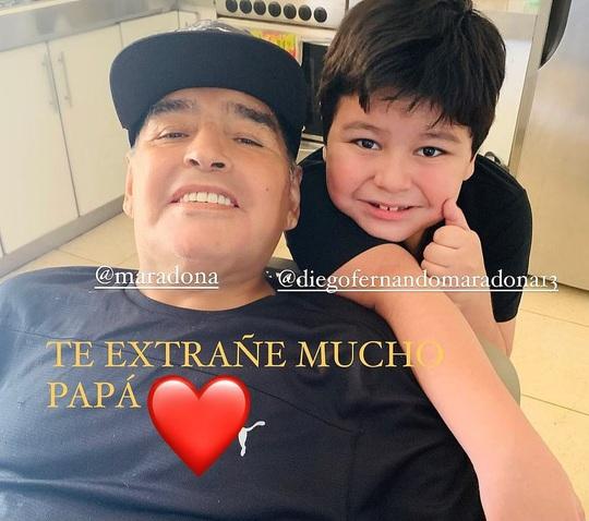 CLIP: Lễ an táng huyền thoại Maradona - Nước mắt tiếc thương, máu đổ vì bạo động - Ảnh 8.