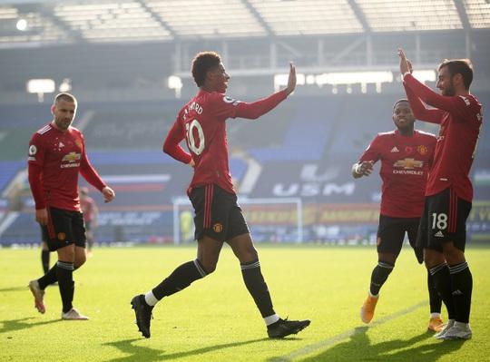 Man United đè bẹp Everton 3-1, cứu ghế HLV Solskjaer - Ảnh 7.