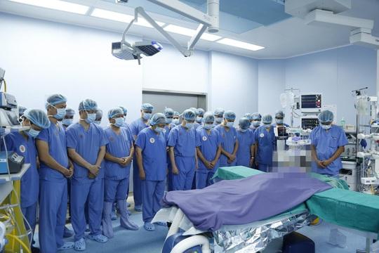 Thanh niên được ghép 2 tay và 5 người ghép tạng từ người hiến chết não - Ảnh 4.