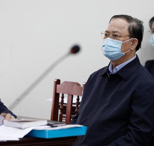 Nguyên thứ trưởng Nguyễn Văn Hiến xin hưởng án treo, Út trọc kêu oan - Ảnh 1.