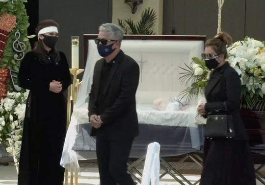 Xúc động tang lễ nghệ sĩ Chí Tài tại Mỹ - Ảnh 11.