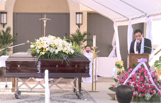 Xúc động tang lễ nghệ sĩ Chí Tài tại Mỹ - Ảnh 12.