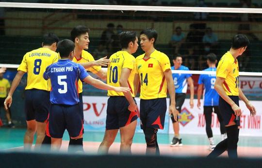 Sanest Khánh Hòa thành tân vương, Thông tin LV Post Bank lập kỷ lục bóng chuyền - Ảnh 4.