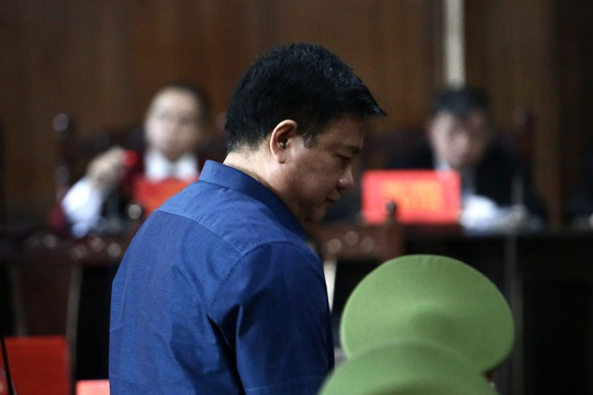 Ông Đinh La Thăng yêu cầu giải thích cáo buộc của VKSND TP - Ảnh 1.
