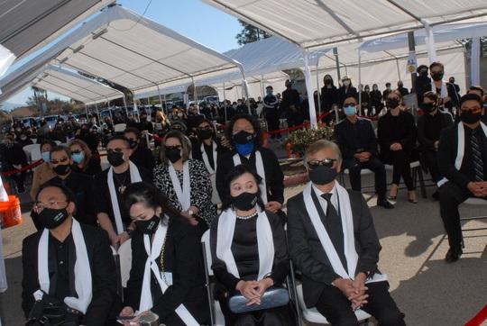 Gia đình cố nghệ sĩ Chí Tài dừng nhận tiền gây quỹ hỗ trợ miền Trung - Ảnh 3.