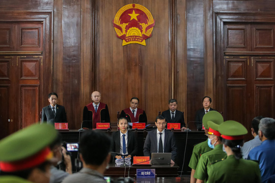 """Những chi tiết, hình ảnh """"đắt"""" trong phiên xử ông Đinh La Thăng - Ảnh 1."""