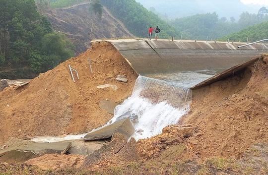 Kênh 4.300 tỉ đứt gãy giữa mùa khô: Thứ trưởng lệnh sửa trong 3 ngày, mới khắc phục được hơn 30% - Ảnh 1.