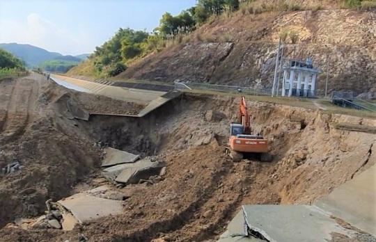 Bộ NN-PTNT vào cuộc tuyến kênh 4.300 tỉ đồng bất ngờ đứt gãy 50 m giữa mùa khô - Ảnh 3.