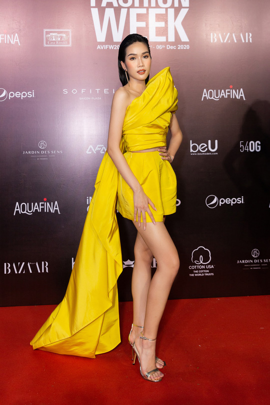 Dàn sao Việt diện váy áo Công Trí đọ sắc trên thảm đỏ - Ảnh 9.