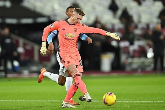 Ngược dòng ngoạn mục, Man United thắng tranh cãi chủ nhà West Ham - Ảnh 4.