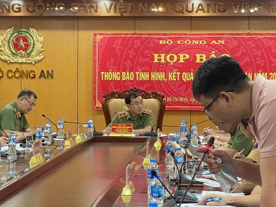 Bộ Công an yêu cầu bà Hồ Thị Kim Thoa về nước để được hưởng khoan hồng - Ảnh 1.
