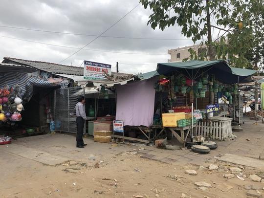 Cà Mau: Chủ tịch UBND thị trấn Trần Văn Thời bị dân tố lạm quyền - Ảnh 1.