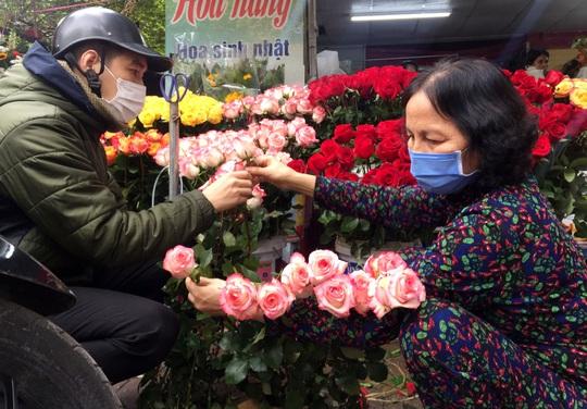 Thị trường quà tặng ngày Valentine ảm đạm do dịch Covid-19 - Ảnh 6.