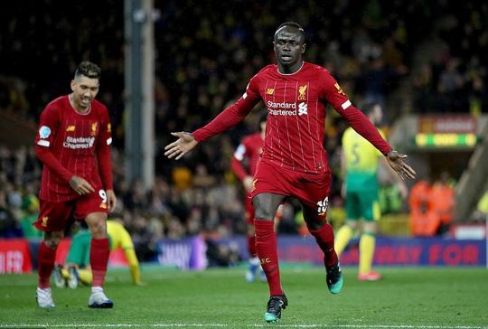 Hung thần trở lại, Liverpool thăng hoa tại Carrow Road - Ảnh 7.
