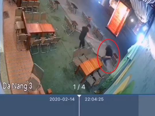 Bàng hoàng cảnh thanh niên bị chém gục ở tiệm trà chanh - Ảnh 1.
