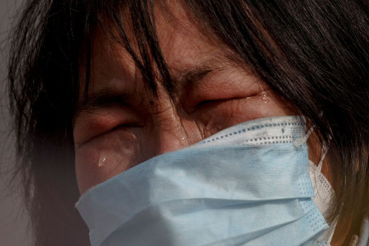 Trung Quốc: Người mẹ nức nở xin ra khỏi vùng phong tỏa để cứu con bị ung thư - Ảnh 5.
