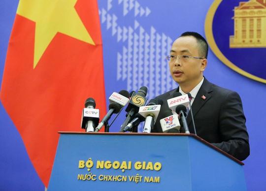 Phó phát ngôn Bộ Ngoại giao trả lời về thời điểm khôi phục đường bay Việt Nam-Trung Quốc - Ảnh 1.