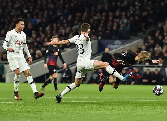 Nghiệt ngã penalty, á quân Tottenham thua sốc RB Leipzig - Ảnh 3.