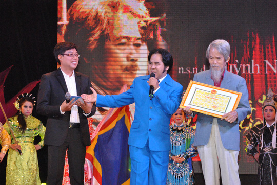 Ký ức về liveshow Huỳnh Nga Phong trần theo nghiệp Tổ - Ảnh 1.