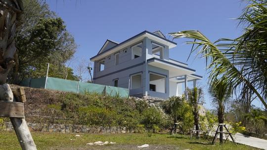 Cận cảnh căn biệt thự xây dựng không phép trên Núi Lớn - Ảnh 8.