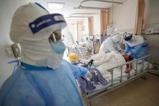 Covid-19: Số ca nhiễm mới tăng 409 tại Trung Quốc - Ảnh 1.