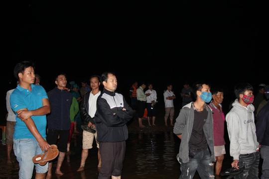 Đã tìm thấy thi thể 5 nạn nhân bị lật thuyền trên sông Vu Gia - Ảnh 3.