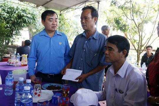 Quảng Nam: Thăm hỏi các gia đình có người tử vong do lật thuyền - Ảnh 1.