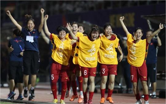 Thầy Park dự khán, tuyển nữ Việt Nam đoạt vé vào play-off Olympic 2020 - Ảnh 1.