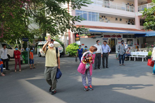 Hôm nay, bệnh nhân Trung Quốc thứ 2 được điều trị corona tại TP HCM xuất viện - Ảnh 2.