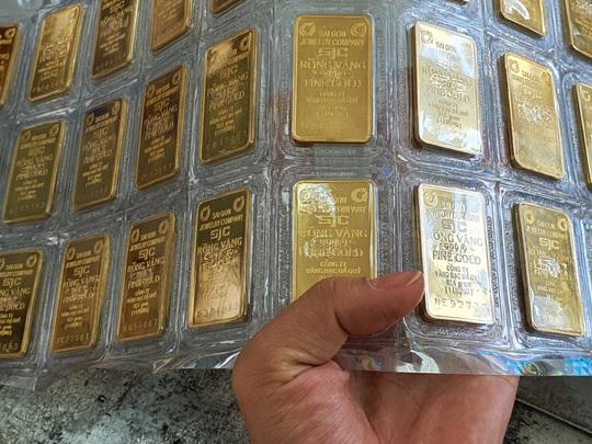 Giá vàng hôm nay 10-1: Vàng SJC cao kỷ lục so với thế giới - Ảnh 1.