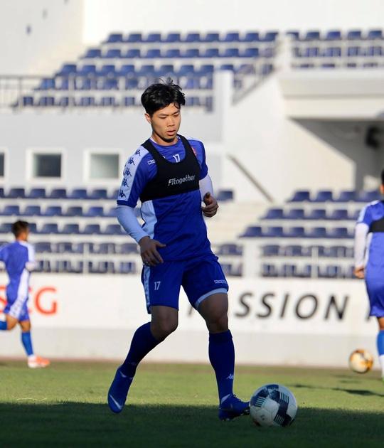 Công Phượng tịt ngòi, CLB TP HCM thất bại trước tân binh V-League - Ảnh 1.
